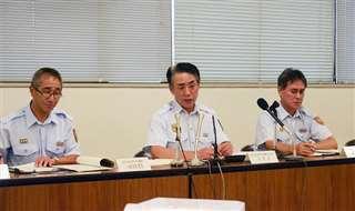 報告書の内容について会見する能代山本広域消防本部の幹部ら=8月28日