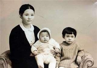 銀行を辞めた昭和45年当時の妻と娘たち