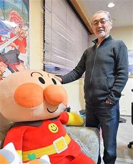 都内のスタジオで、アニメ業界と古里秋田への思いを語る石垣さん
