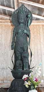 善導寺の境内に立つ「認知症封じの観音様」