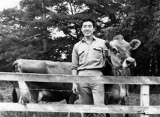 山梨・キープ協会の農場で=帰郷前年の昭和47年7月