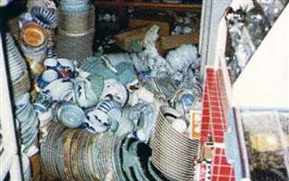 日本海中部地震が発生。市場でも食器や商品が散乱=昭和58年5月26日