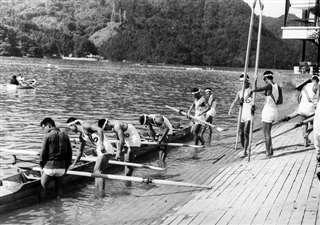 全日本選手権漕艇大会に出場=昭和38年、神奈川県・相模湖
