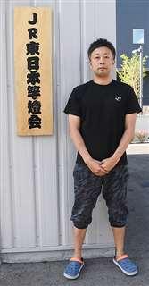 JR東日本竿燈会代表の夏井さん=秋田市中通のJR秋田支社駐車場