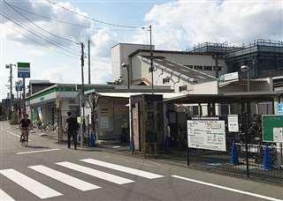 受け子の男が犯行で訪れたJR西立川駅前