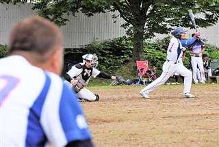 練習試合を楽しむ神岡大浦クの選手たち。全県500歳大会の再開を期し、他チームとの交流試合を計画している