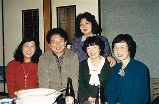 中国語学習の先生や仲間たちと(左)