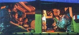 中央通りの曳山に乗り込み、お囃子の演奏を響かせる藤井さん(右端)ら奏雅扇舞会のメンバーら=2019年9月7日