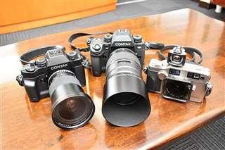 現在愛用しているコンタックスのフィルムカメラ