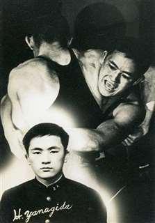 秋田商業高レスリング部の卒業記念写真=昭和41年3月