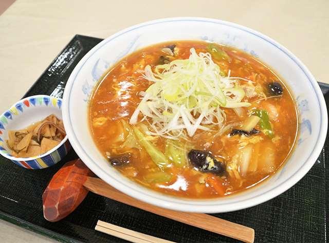 ピリッとした辛さが人気の辛味広東麺