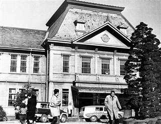 昭和30年代の東北大学医学部付属病院(東北大学史料館提供)