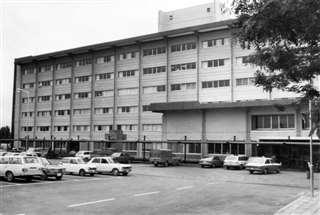昭和45年に改築工事が完了した大館市立総合病院