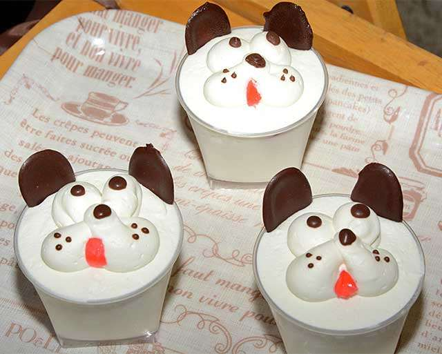 秋田犬の顔を表現したカップケーキ「まさる」